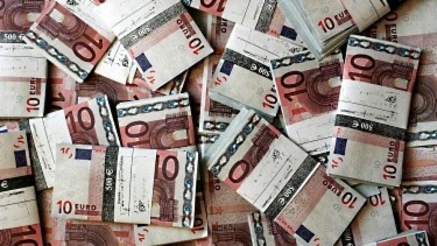 Франция слага данък на пенсиите и вдига акцизите на бирата и тютюна