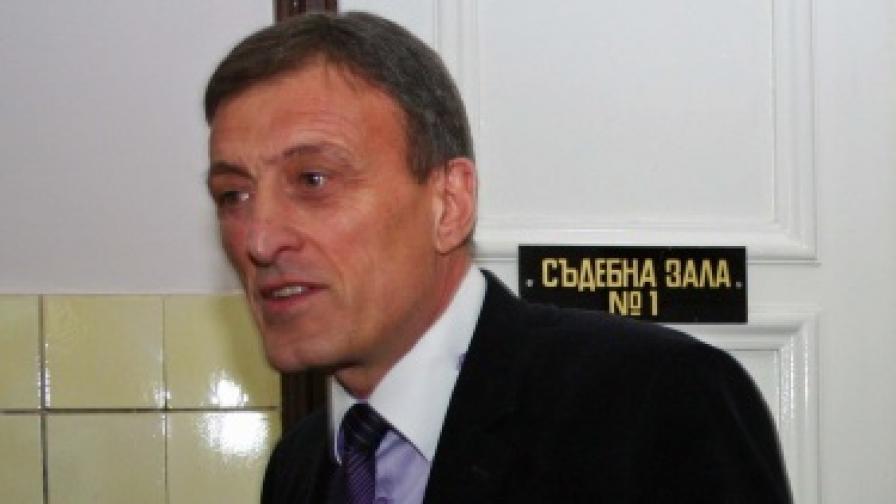 Кметът на Попово Людмил Веселинов осъди прокуратурата