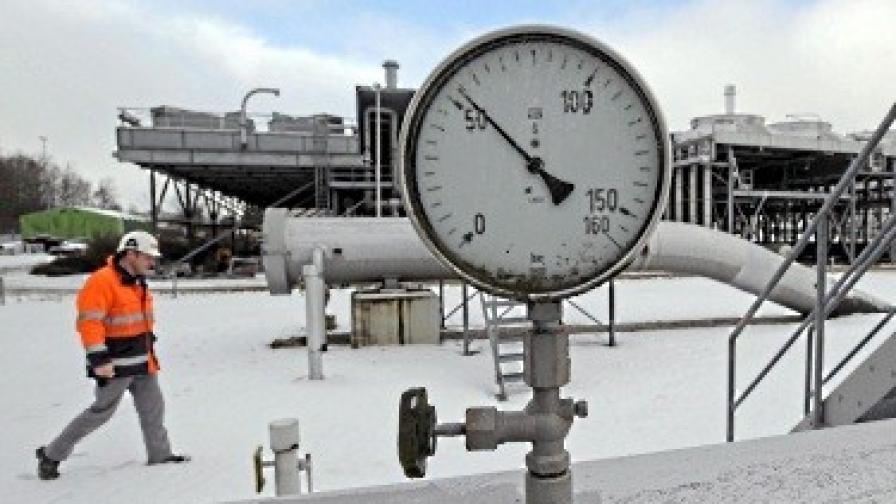 Полша се договори с Русия за по-евтин газ