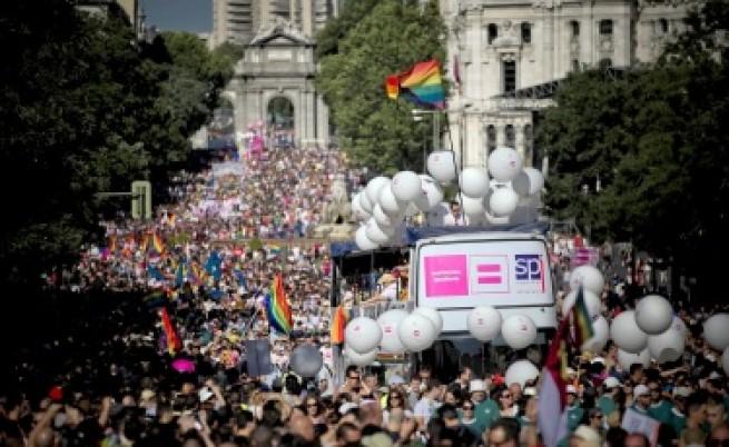 Крачки напред за хомосексуалните бракове в Испания и Франция