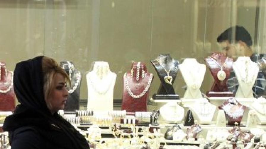 Иран замразява вноса на луксозни стоки