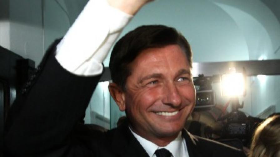 Бившият премиер на Словения води на президентските избори