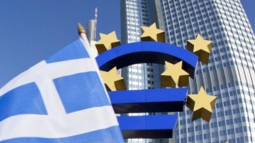 """""""Уолстрийт джърнъл"""": МВФ иска ново отписване на гръцки дълг"""