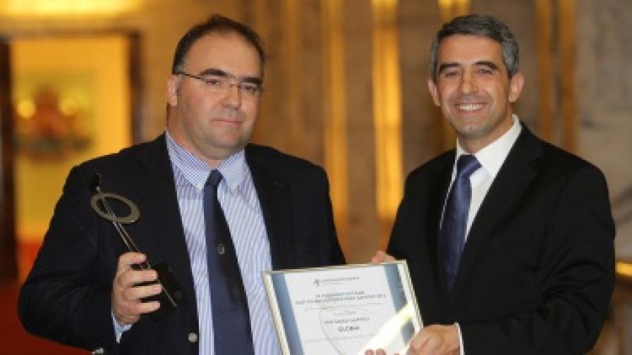 Президентът Росен Плевнелиев с изпълнителния директор на Глобул Харис Коцибос