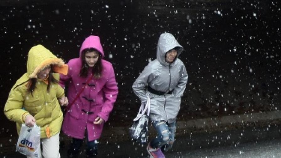 След 3 декември започва да вали сняг