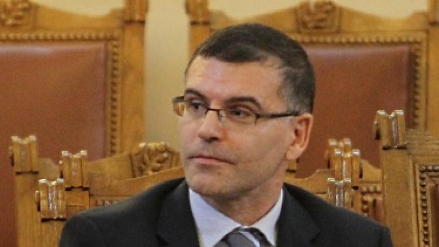 Дянков отново се обяви срещу бонусите в съдебната система
