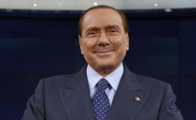 Какво прави Берлускони с Италия?