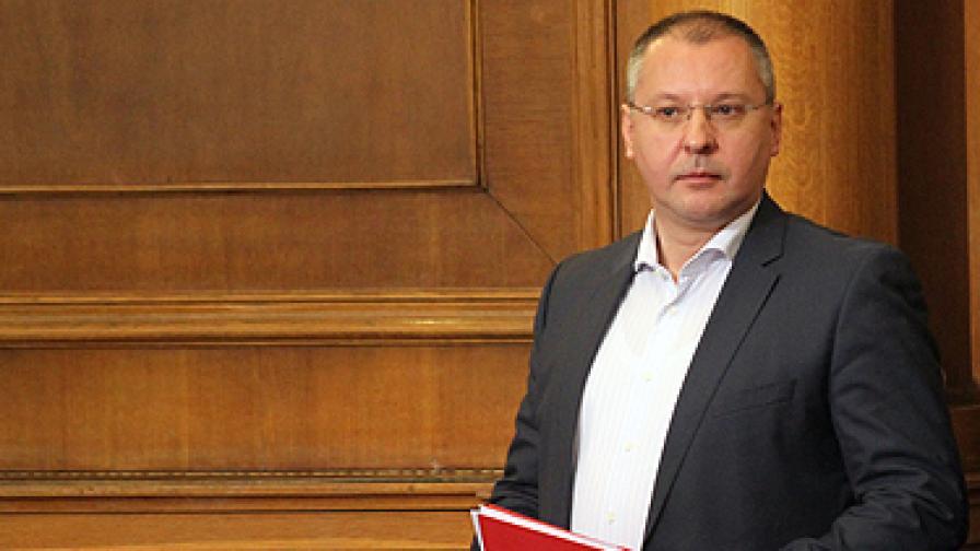 Станишев: Предложението на Дянков е цинично