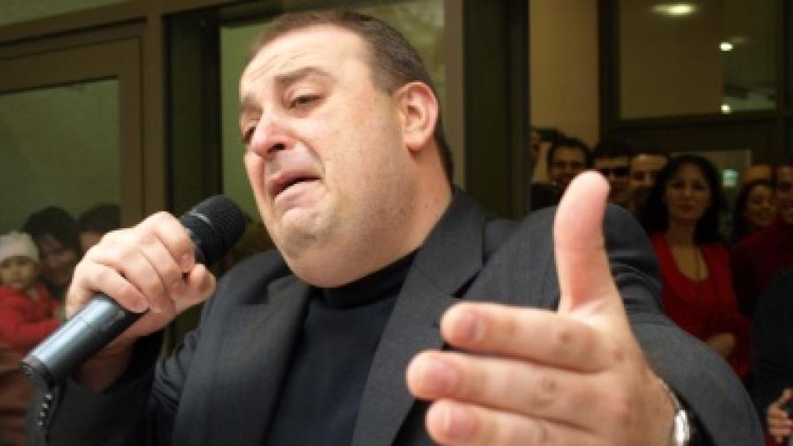Актьорът имитатор Любомир Нейков се прави на Робърт Де Ниро при откриване на МОЛ