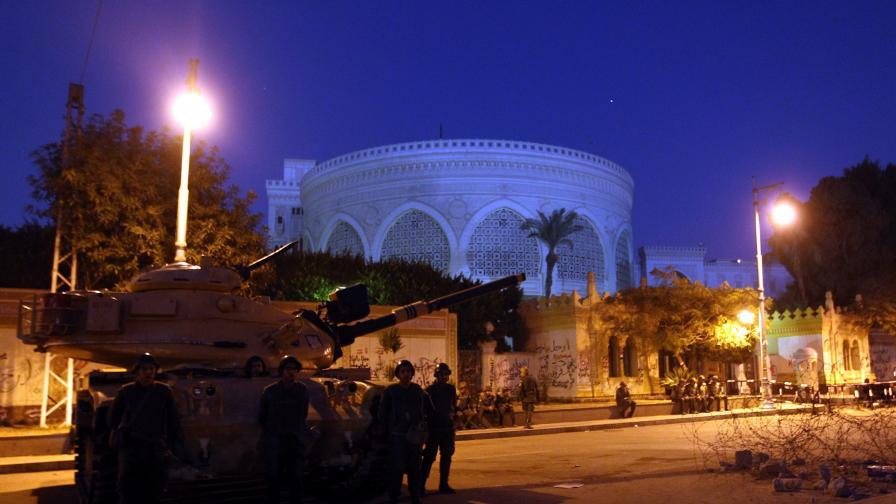 Египетската армия ще арестува цивилни