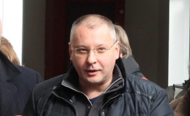 Станишев: Уволненията са кризисен пиар след референдума