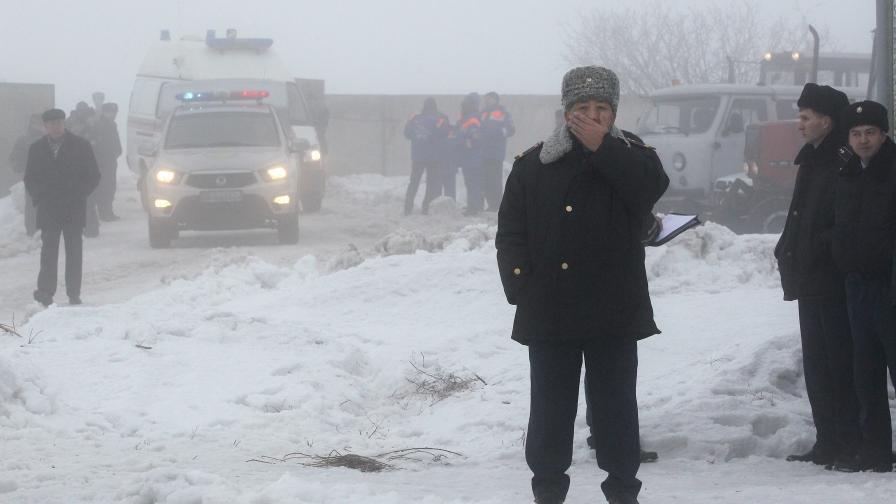Пътнически самолет се разби в Казахстан