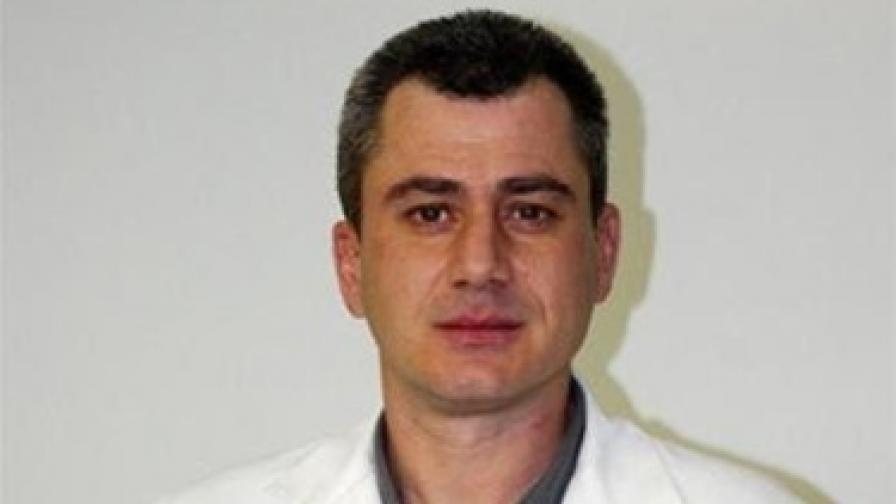 """Доц. Стоян Миланов спечели конкурса за директор на """"Пирогов"""""""