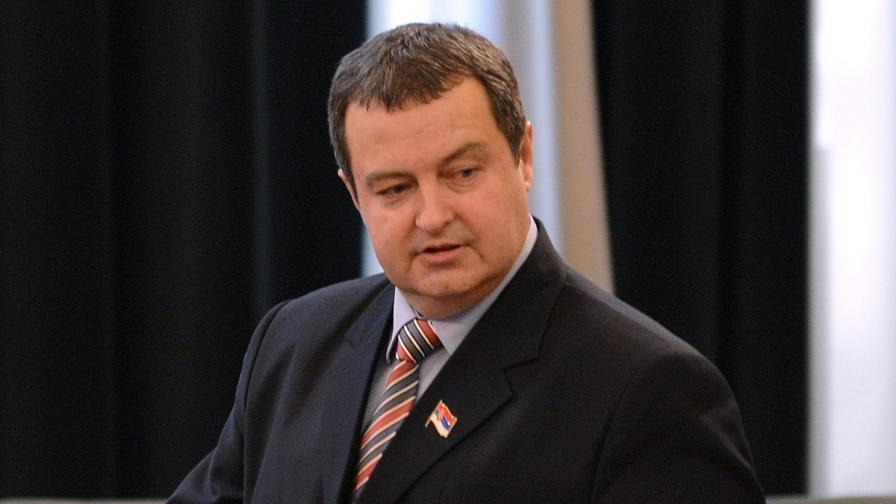 Разклати ли новият скандал с премиера сръбския кабинет?
