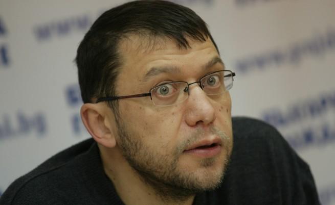 Адвокат Йонко Грозев пое защитата на