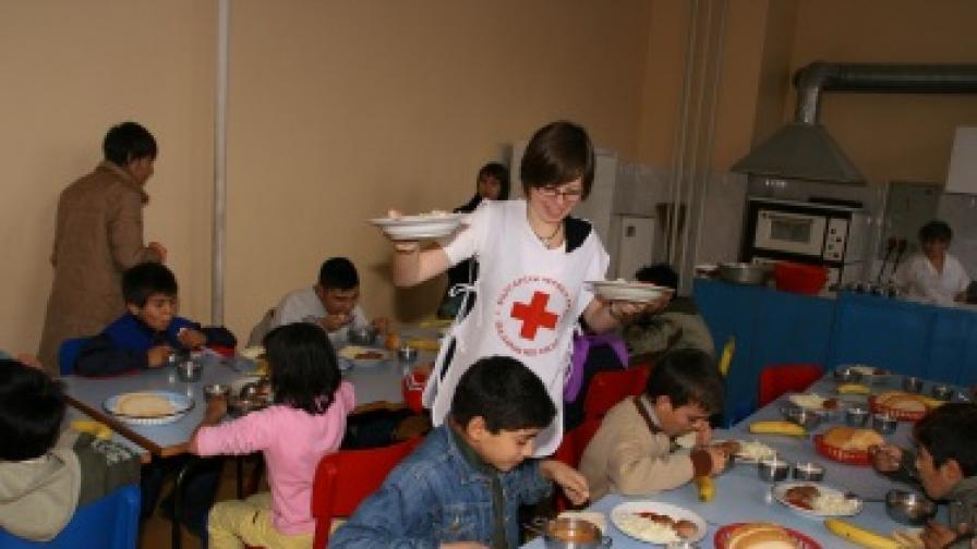 89 деца осиновени в Плевен през 2012 г.