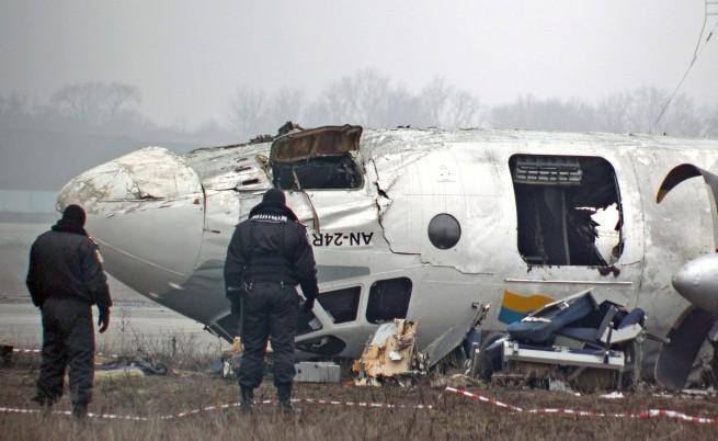 Петима загинали при самолетна катастрофа край Донецк