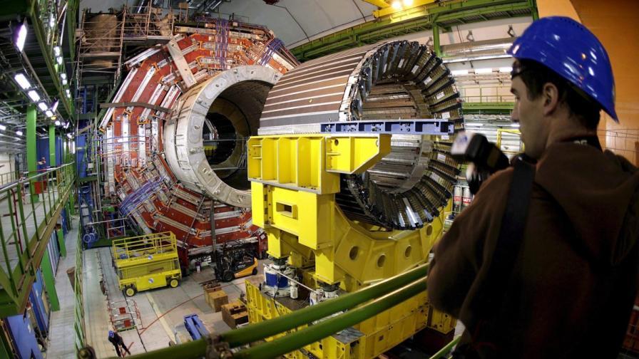 БГ учен от ЦЕРН: Все повече коли ще имат ел. двигатели