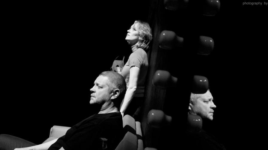 """Влади Люцканов и Койна Русева на сцената в """"Часът на вълците"""""""