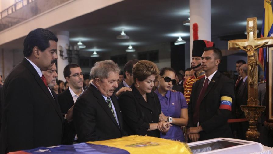 Тялото на Чавес ще бъде балсамирано и изложено на показ