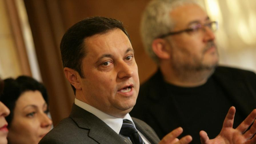 Кандидат-депутати и шефове на НПО няма да обявяват публично доходите си
