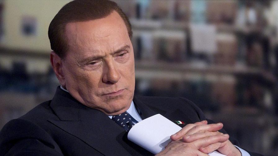 Журналистка в медийната империя на Берлускони е получила от него 810 000 евро за 2 години