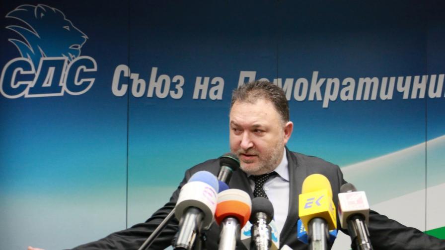 """Съдът задължи ЦИК да се произнесе дали Кабаиванов представлява """"Синята коалиция"""""""