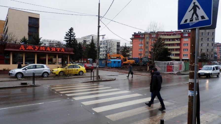 Монтират още три светещи пешеходни пътеки в София