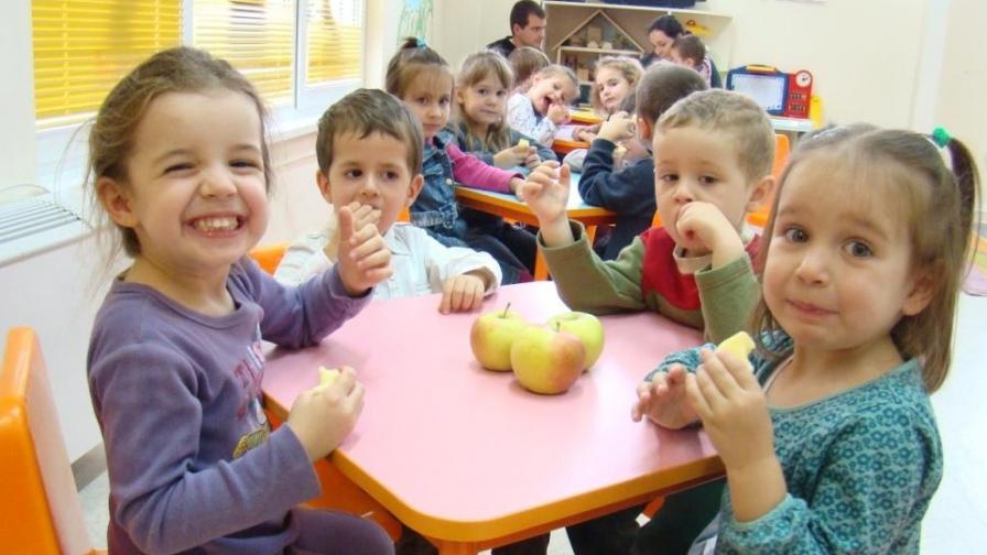 Учени създават хипоалергенна ябълка