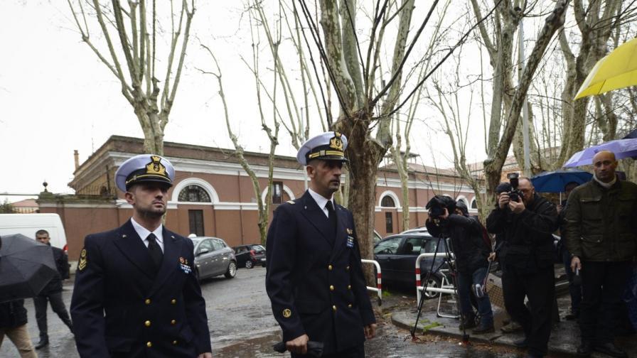 Индия пусна италианския посланик да си ходи
