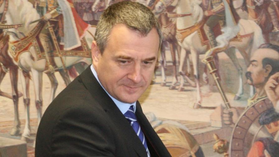 Цветлин Йовчев подава оставка като началник на кабинета на президента