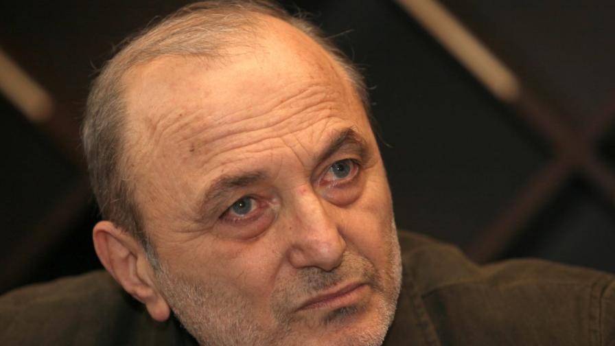 Д-р Михайлов: Политиците пак са шутове на суверена