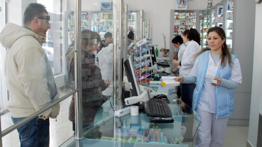Лекарства за хронично болните ще се отпускат по-рано заради празниците