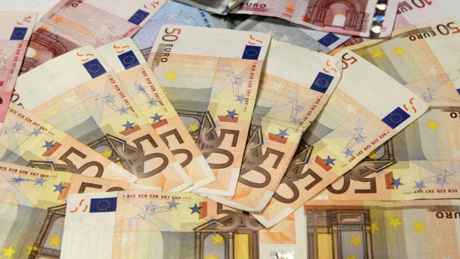 """3,6 млрд. евро били изнесени от Кипър преди """"подрязването"""" на депозитите"""