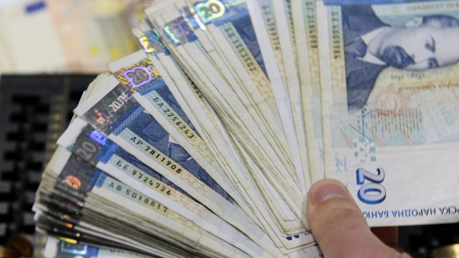 КЗК: Собствениците не трябва да отговарят за сметки за ток на наематели
