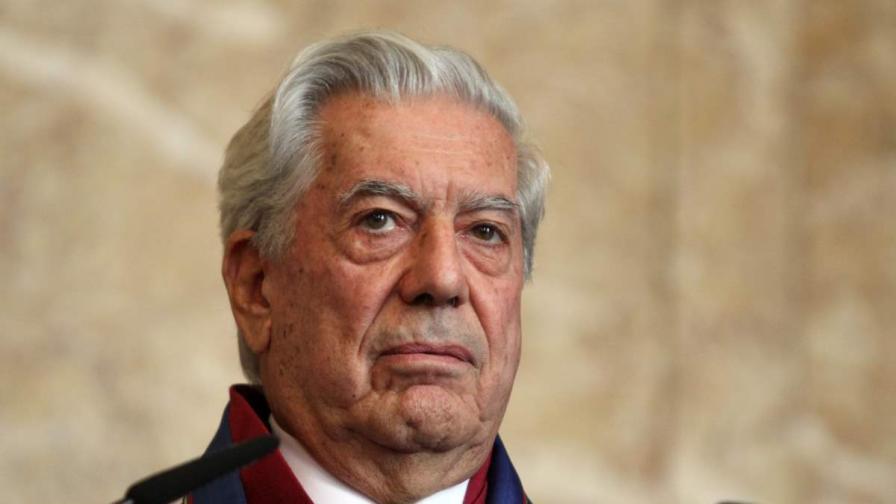 """Марио Варгас Льоса беше удостоен с почетното звание """"Доктор хонорис кауза"""" на Софийския университет"""