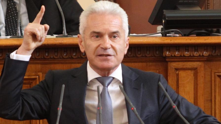 Сидеров: Спасих парламента от нескопосан опит за саботаж
