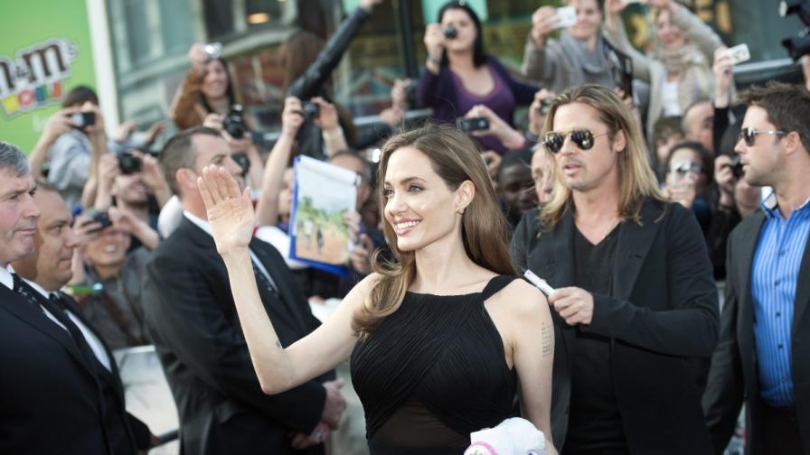 Джоли за пръв път пред публика след мастектомията