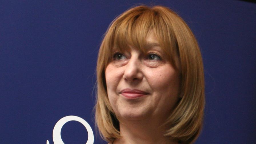 Министърът: Много добри резултати по български в седми клас