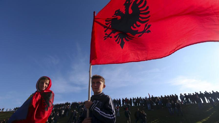 ЕУЛЕКС разследва 100 случая на военни престъпления в Косово