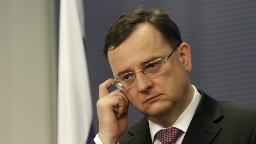 Чешкият премиер подава оставка