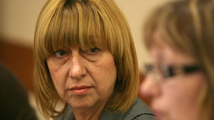 Клисарова: Промените в програмата по литература са дело на ГЕРБ