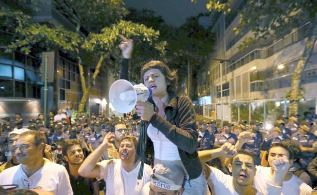 Дилма Русеф обеща референдум за политическа реформа в Бразилия