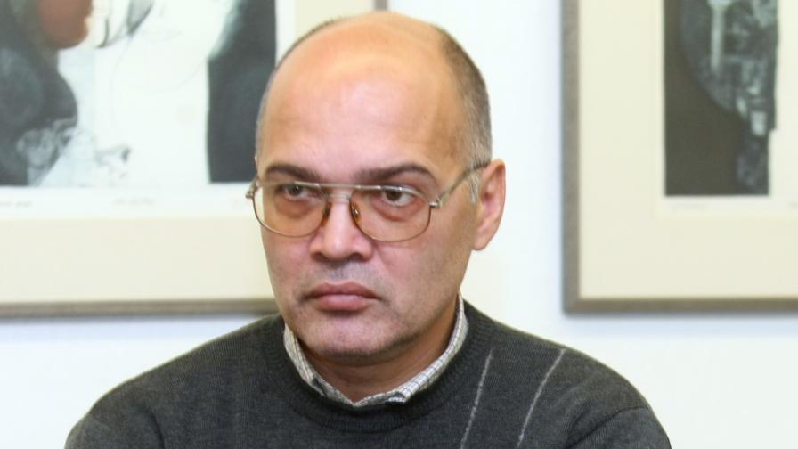 Тихомир Безлов: Ситуацията е по-тежка от 90-те години