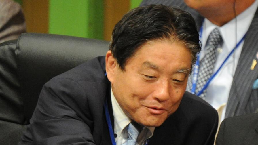 Японски кмет си намали трикратно заплатата, беше обещал