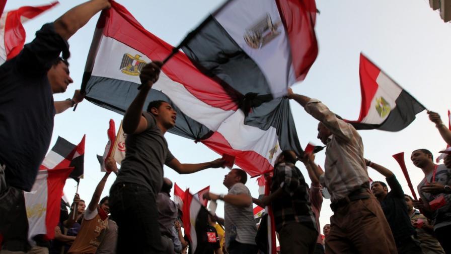 Шефът на Конституционния съд в Египет пое президентския пост