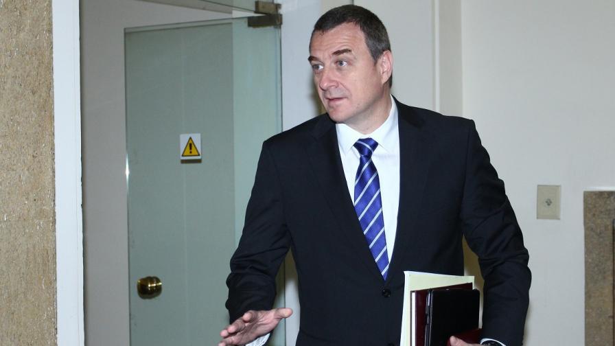 Вътрешният министър: Предсрочните избори не са решение