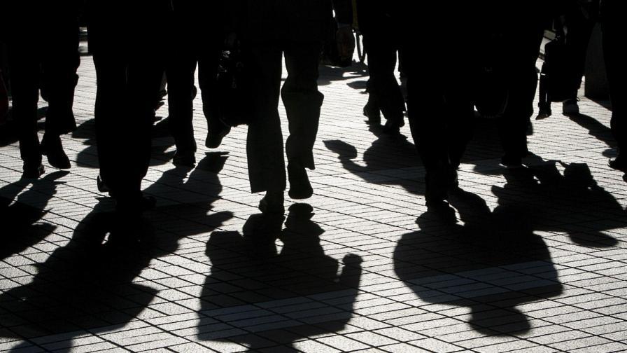 """Бюрата по труда вече търсят """"подходяща работа"""" на безработни до 50 км"""