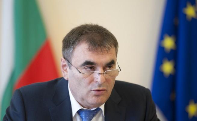 Папазов: Разкрита е схема за купуване на шофьорски книжки