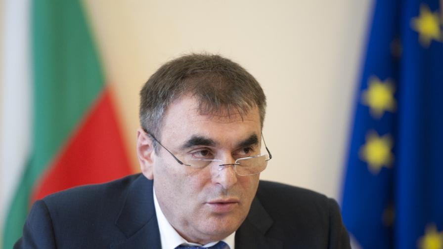 Данаил Папазов: Над 2 млн. лв. са щетите от дерайлиралия влак